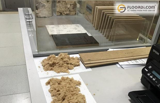 HDF là cốt gỗ có tỷ trọng bột gỗ được nén ép cao đem lại chất lượng vượt trội